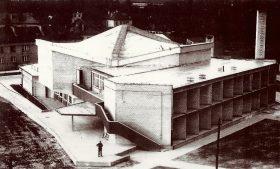Teatr w Łasku - widok zewnętrzny